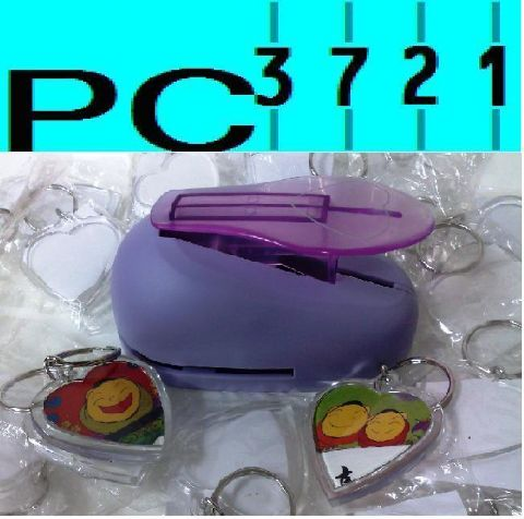 100 Blank Heart Shape Plastic Keyrings 39 mm Max Insert + Matching Photo Punch 9015PP
